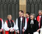 نخستین کشیش زن کلیسای انگلیس منصوب شد(+عکس)