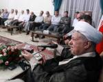 آیت الله هاشمی رفسنجانی: تریبون و قلم در اختیار دارند و حقایق جنگ را با اغراض سیاسی وارونه بیان میكنند
