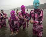 مایو های ترسناک در سواحل چین! +عکس