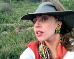 قصد لیدی گاگا از خرید اشیاء و لباسهای مایکل جکسون چه بود؟ +تصویر