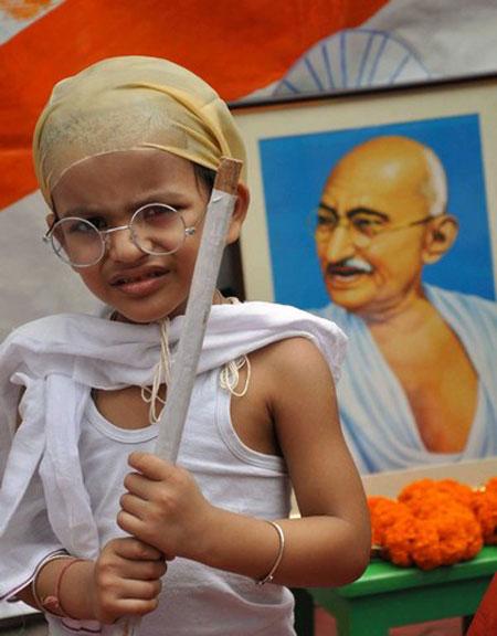 صدو چهل و چهارمین سالگرد تولد گاندی در هند