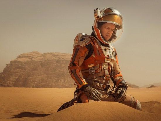 با این 15 فیلم به فضا بروید