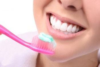 مسواک زدن, تمیز کردن لثه و دندان