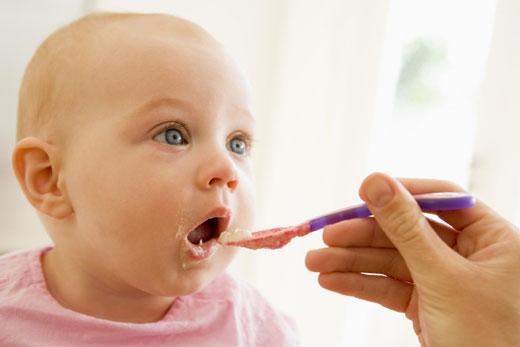 ۱۰ نکته مهم درباره تغذیه زنان باردار در نوروز