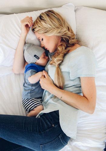 10 نکته مهم برای مادرانی که نوزاد پسر دارند