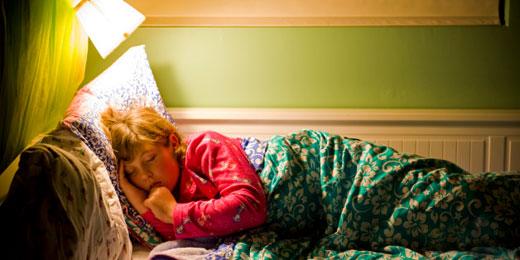 خوابیدن میتواند پیرتان کند!