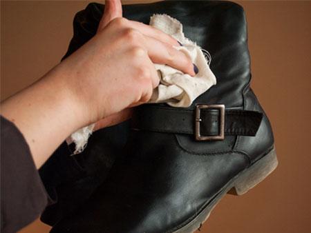 نگهداری کفش های زمستانی,راهنمای نگهداری از کفش های زمستانی