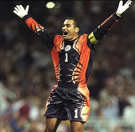 نگاهی به زشت ترین لباس های دروازه بانی تاریخ فوتبال جهان (اسلایدشو)