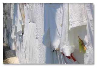 تمیز کردن لباس های سفید