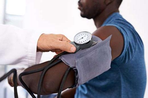 8نشانه مهم کمبود ویتامین در بدن به همراه راه حل آنها