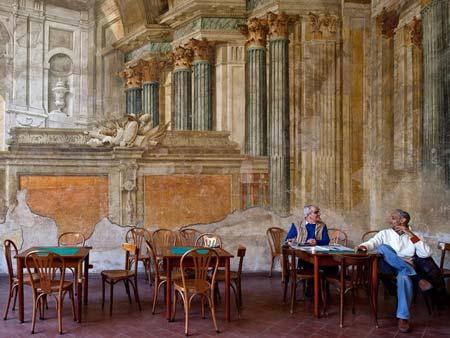 کافه ای در سورنتو ایتالیا