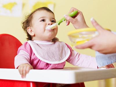 اولین غذای کمکی نوزاد,غذای کمکی نوزاد 4 ماهه
