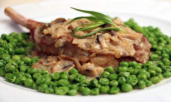 طرز تهیه گوشت گوساله و نخود فرنگی