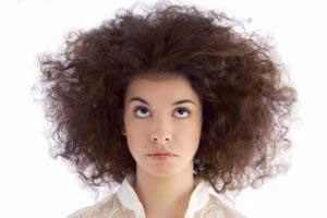 دلیل وز شدن موهای سالم