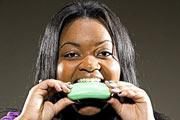 دختری که صابون و پودر لباسشویی می خورد