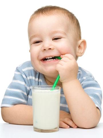 چطور به کودک دچار عدم تحمل لاکتوز لبنیات بدهیم؟