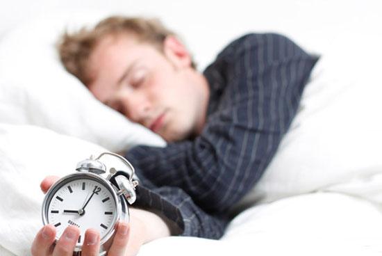 چرا باید خواب کافی داشته باشید؟/از کنترل قند خون تا پیشگیری از سرماخوردگی