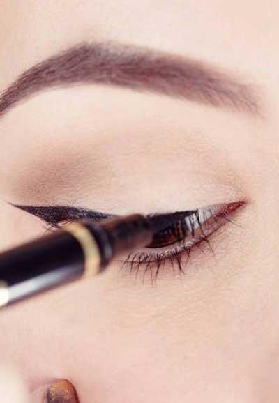 آرایش, آرایش چشم, آموزش کشیدن خط چشم