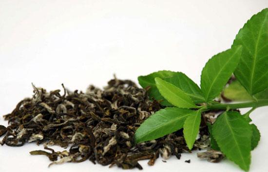 اسموتی انبه و چای سبز