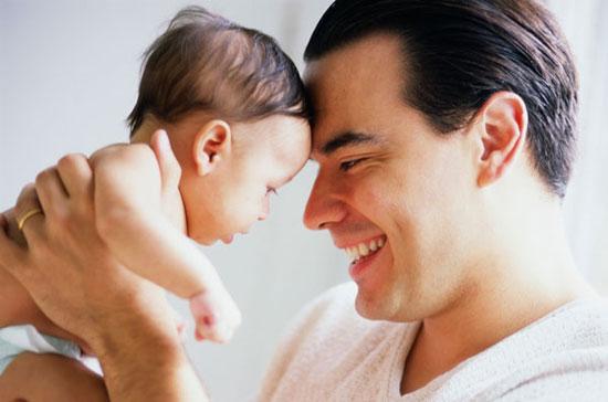 11 روش برای ارتباط عمیقتر پدران با نوزادان