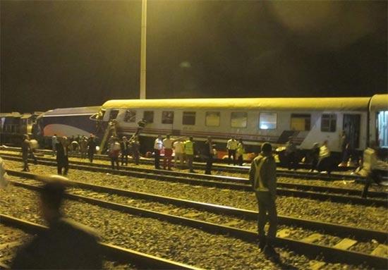 عکس: برخورد قطار مسافربری با باری در سمنان