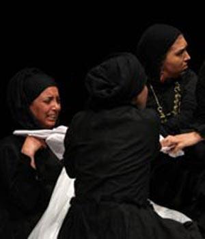 نمایش«خانه برنارد آلبا» به بهروز غریب پور تقدیم شد