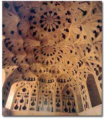 عالی قاپو یکی از آثار زیبای  اصفهان