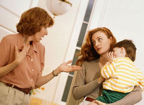 چگونه با خانواده همسرمان کنار بیاییم؟