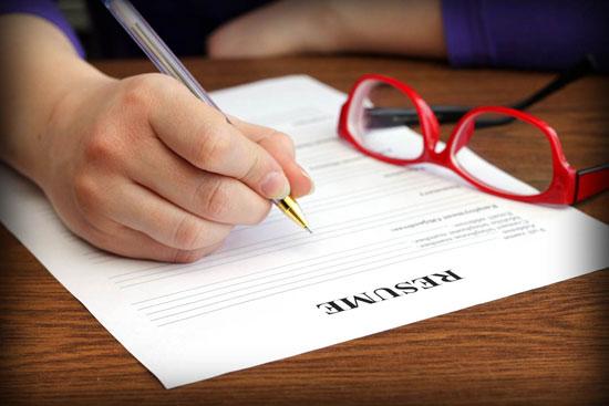 ۲۰ واژه که هرگز نباید در رزومه بنویسید