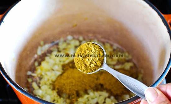 طرز تهیه خورشت کاری ایرانی