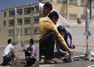 دانشآموزان موشكهای آبی را به هوا پرتاب كردند