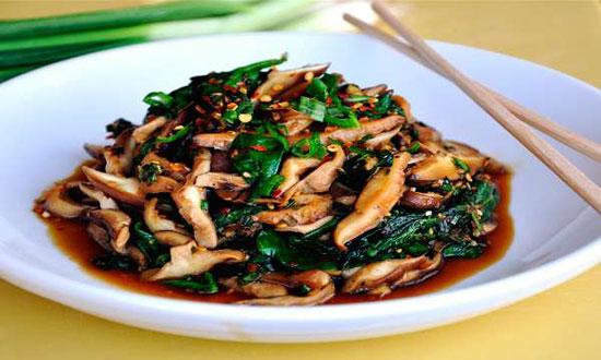 خوراک اسفناج و قارچ
