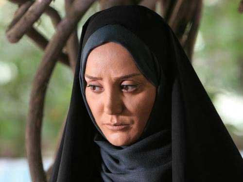 تصاویر: كشف حجاب بازیگر مشهور تلویزیون در صدای آمریكا