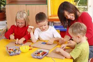 تاثیر و نقش بازی والدین با کودکان در خلاقیت
