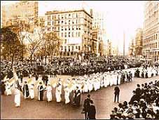 راهپیمایی سال 1915 زنان آمریكایی در نیویورك