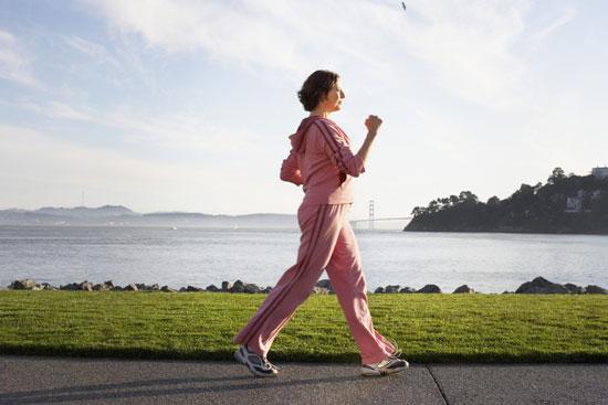 چرا برخی از زنان در حوالی یائسگی افزایش وزن دارند؟