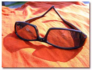 قهوهای و دودی مناسبترین رنگ برای عینك آفتابی