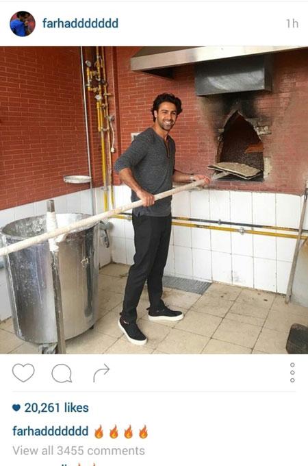 عکس: مجیدی در حال پختن نان سنگک!