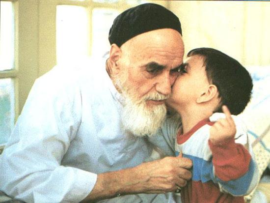 12 سال گوشم به ضربان قلب امام بود