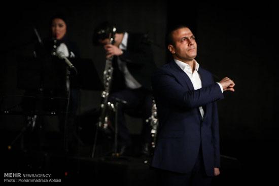 عکس: کنسرت علیرضا قربانی در برج میلاد
