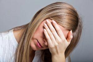 لکه بینی,لکه بینی چیست,لکه بینی بین دو دوره قاعدگی,ترشحات بین دو دوره قاعدگی