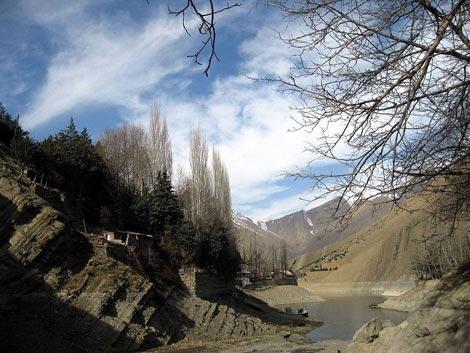 روستای واریان سد کرج, روستای واریان در جاده چالوس