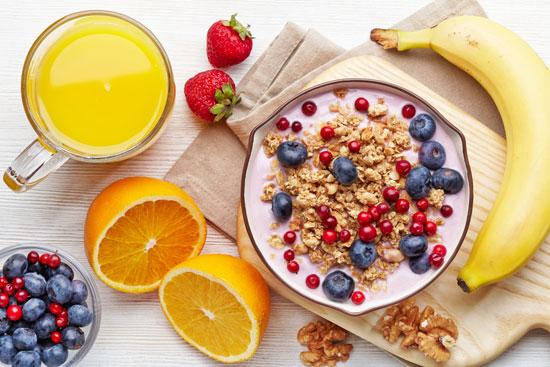 7 ماده غذایی موثرتر از قهوه برای کمک شدن به بیدارشدن صبحگاهی