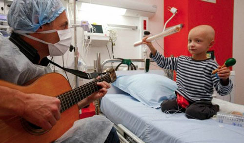 فواید موسیقی درمانی برای کودکان