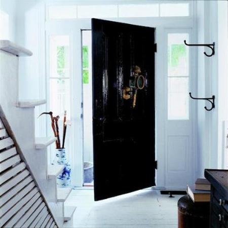 ویژگی کارکردن درب های سیاه در خانه,دکوراسیون و چیدمان درب های خانه