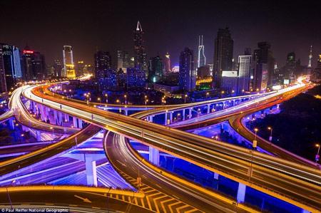 اخبار,اخبار فرهنگی,روشنایی شب در شهرهای مختلف,آزاد راه شانگهای