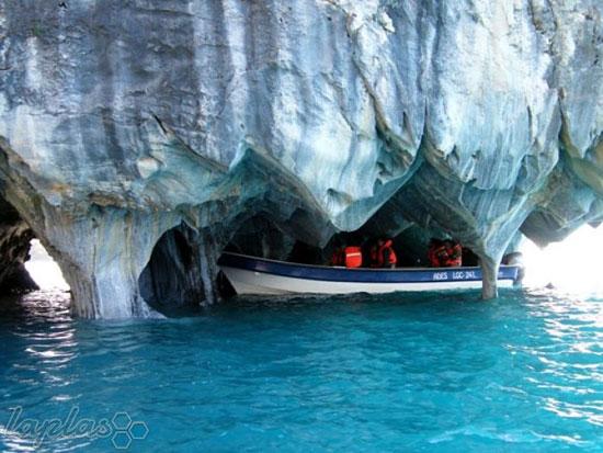 غارهای مرمرین کاررا
