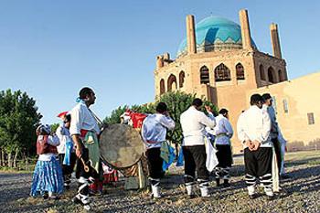 عروس و داماد , آداب و رسوم مردم ایران