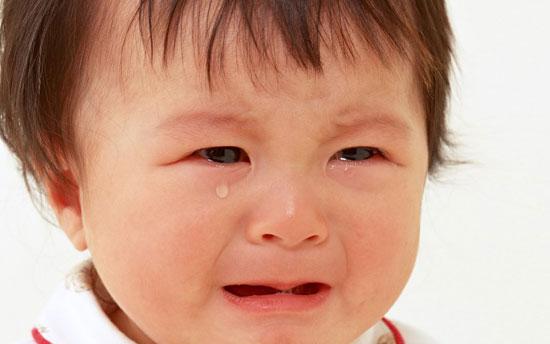 علت رفتارهای عصبی نوزاد هنگام شیر خوردن+ راهکارها