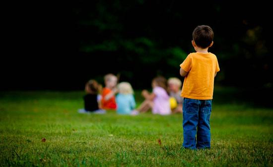 خانوادههای خجالتی و بحران کودکان کمرو